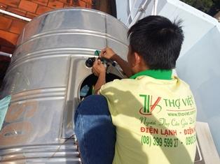 Thay thế lắp đặt phao cơ mới cho bồn nước