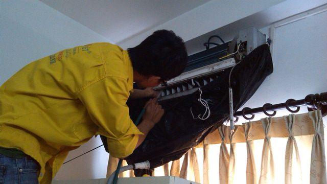 Thợ vệ sinh máy lạnh tại nhà uy tín