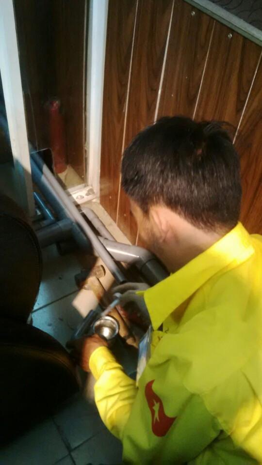 Thợ sửa đường ống nước tại quận 4