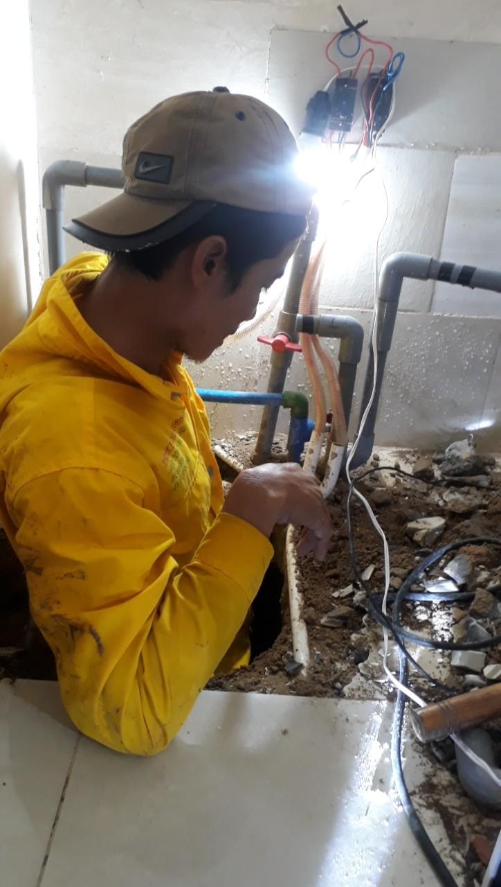 Thợ đi đường ống nước tại quận 8 TTPHCM