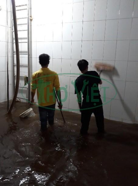 Thợ vệ sinh bể nước ngầm tại long thành đồng nai