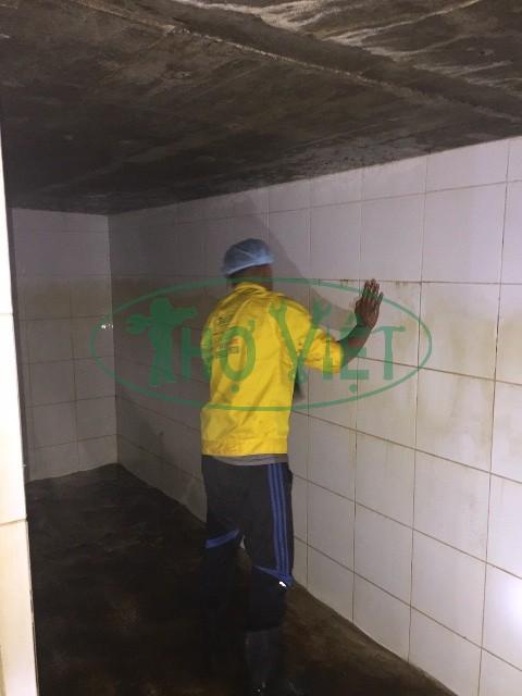 Hình ảnh| Vệ sinh bể nước ngầm KCN Vsip 1 tại Dình Dương