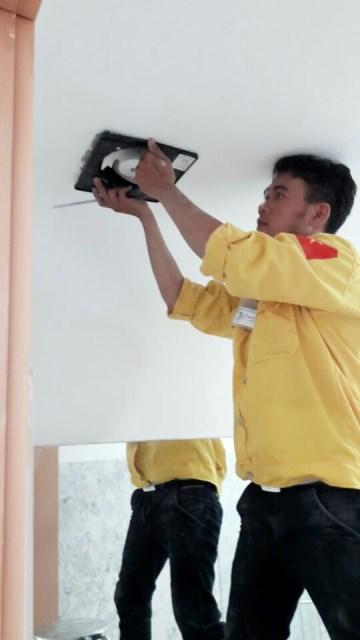 Lắp quạt hút thông gió âm trần Mitsubishi tại quận Tân Phú