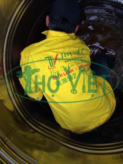 Vệ sinh bồn nước inox tại Hóc Môn
