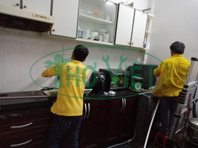 Lắp đèn trang trí và hệ thống dây điện cho shop tại Tân Bình