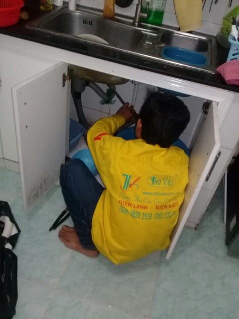 Sửa chữa vòi nước và đường ống thoát nước lavabo Tân Phú