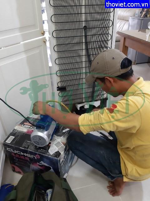 Sửa tủ lạnh Teka 225 lít bị xì gas tại quận 4