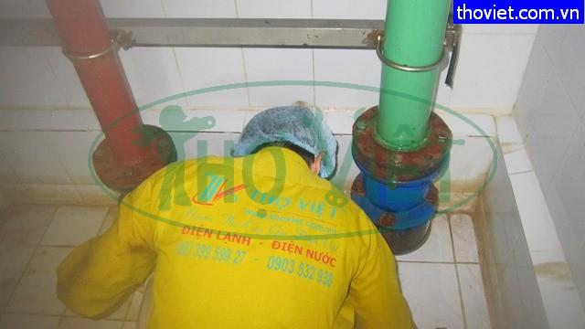 Vệ sinh bể nước ngầm Tân Phú –  Loại bỏ nguy cơ nguồn nước ô nhiễm.