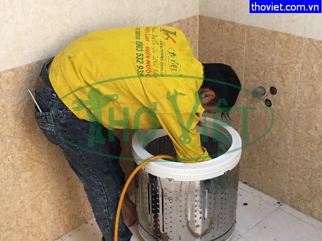 Vệ sinh máy giặt Samsung cửa trên tại quận 5