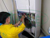 Vệ sinh máy lạnh tủ đứng Daikin tại quận 3