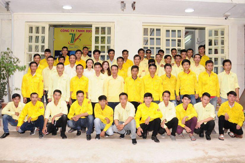 Tập thể công ty TNHH dịch vụ kỹ thuật Thợ Việt 2019
