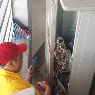Sửa chữa vệ sinh máy lạnh 5Hp âm trần tại Tân Bình