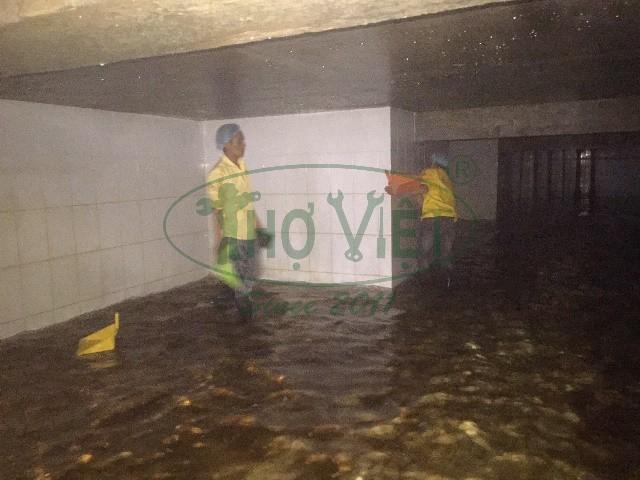 Vệ sinh bể nước ngầm xí nghiệp tại quận 2 – Bảo vệ sức khỏe cho mọi người