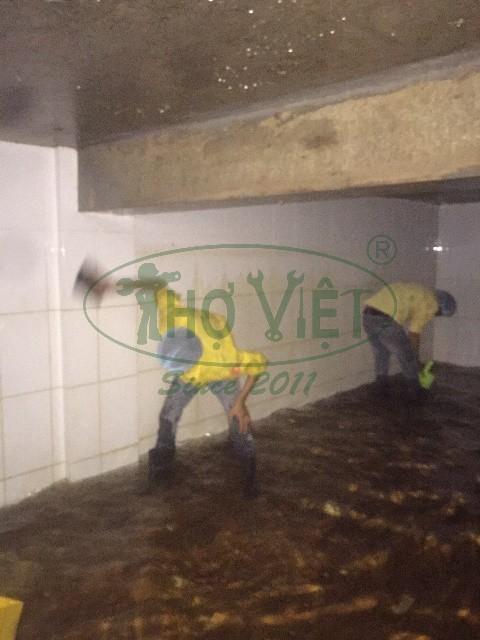 Bể nước ngầm bị ô nhiễm – Vệ sinh bể nước chung cư tại quận 4