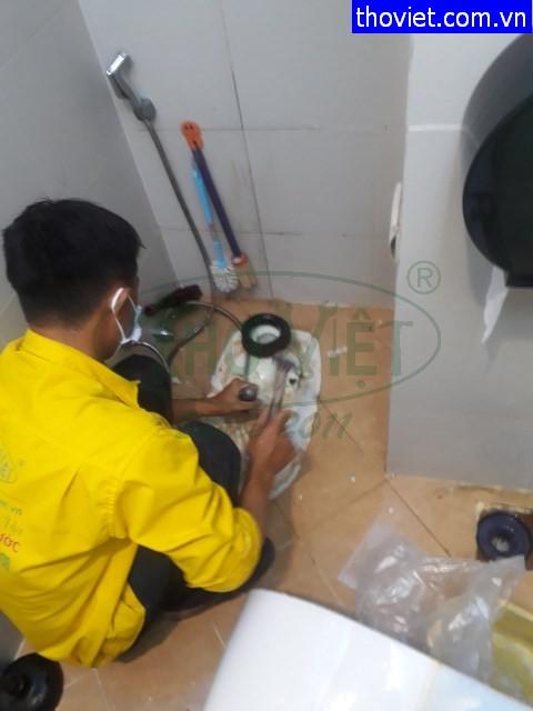 Thợ thông nghẹt ống nước và chống thấm nhà vệ sinh tại quận 1