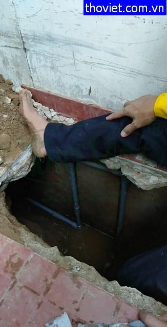 Thợ sửa ống nước âm nền bị rò rỉ tại quận 7