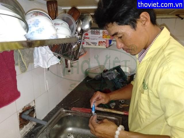 Lắp bồn cầu và thay vòi nước bồn rửa bát tại quận 2