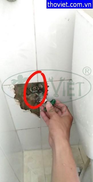Sửa ống nước âm tường bị rò rỉ tại quận 12