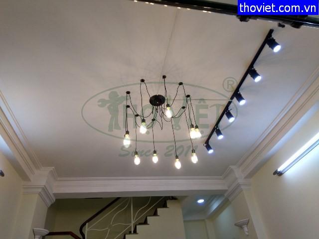 Thợ điện Gò Vấp – Lắp đèn trang trí cho Shop